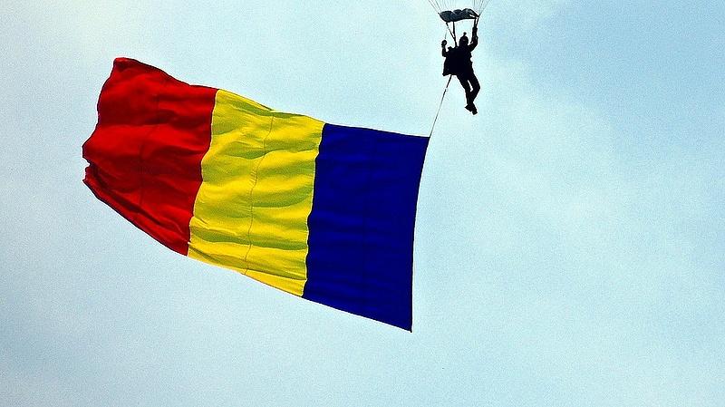Elkezdte felfegyverezni a románokat az USA