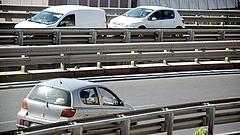 Nem tűrték a fizetős autópályát - szétzúzták a kapukat Albániában
