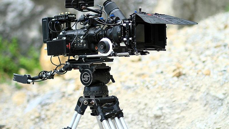 Új, állami filmstúdió épül a gazdaságvédelmi akcióterv keretében