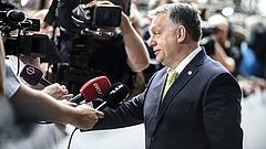 Orbán beszólt Macronnak (videóval)