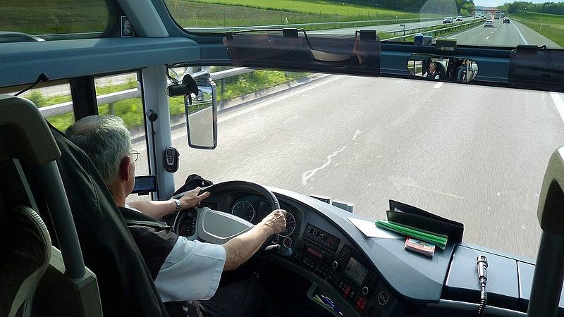 Távolsági busz sofőrje volt a kábítószerfutár