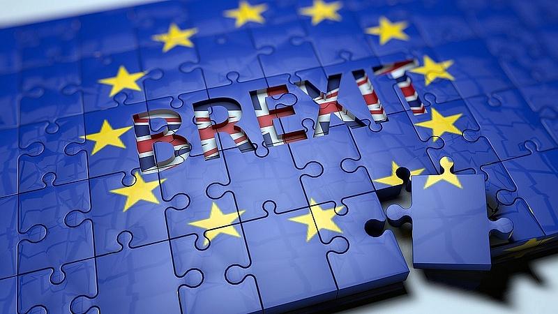Itt az új terv: már pénteken kiléphetnek az EU-ból a britek