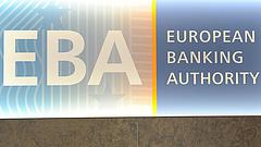 Szinte mindenki magának akarja a bankhatóságot