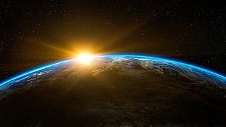 Hajnalban érkezik a hatalmas űrszemét a Földre, bárhol becsapódhat