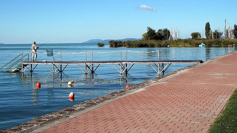 Tovább terjeszkednek a Balaton körül Mészárosék