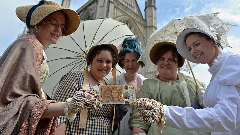 Új pénzt kapnak a britek