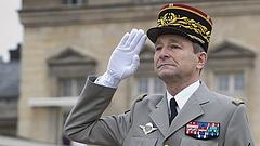 Macronra csapta az ajtót a francia hadsereg feje
