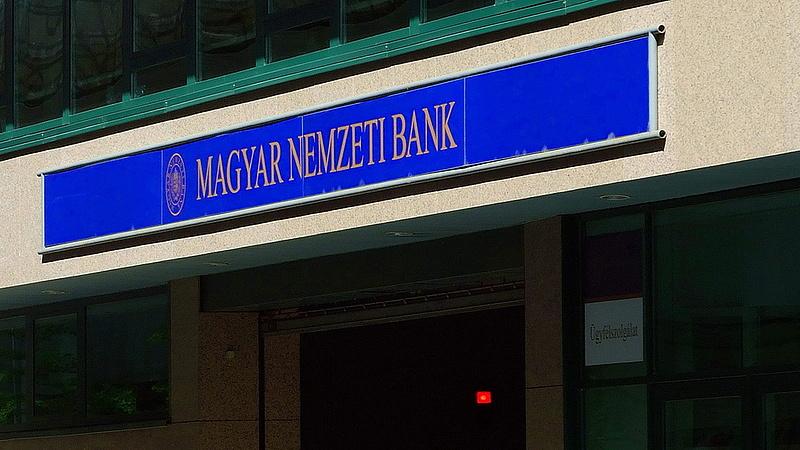 Jogsértően működött Mészárosék két cége - lecsapott az MNB