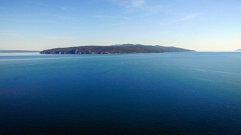 Süllyed egy török teherhajó az Adrián