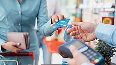 Rákaptak a magyarok a kártyás vásárlásra