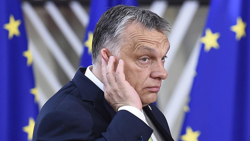 Újabb súlyos figyelmeztetést kapott Orbán