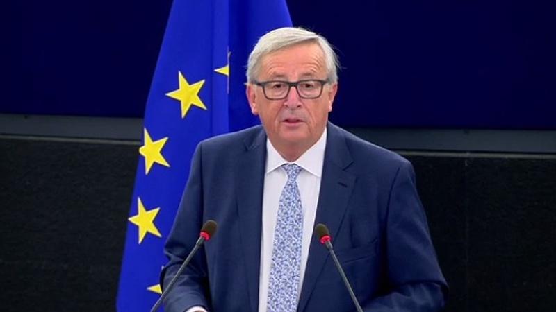 Juncker üzent Orbánnak is