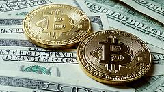 A szakadék szélére lökték a bitcoint