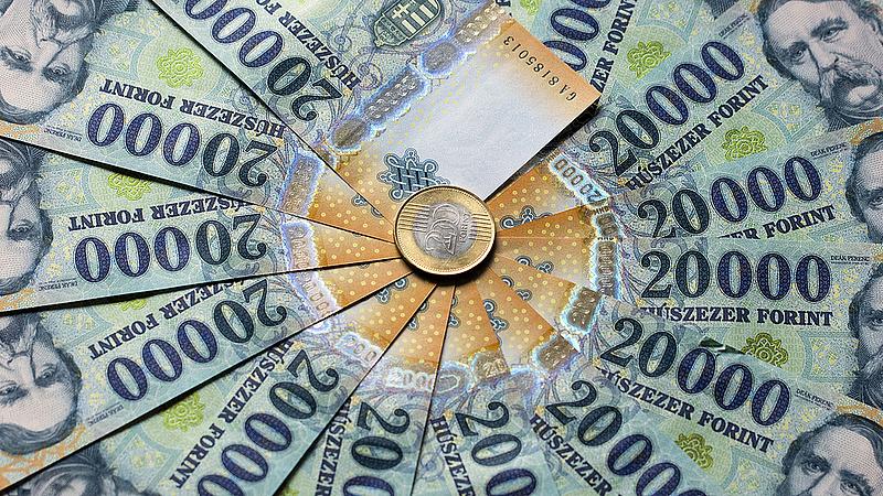 Rekordon a hiány, de jöhet a nyugdíjemelés - így fest a magyar gazdaság