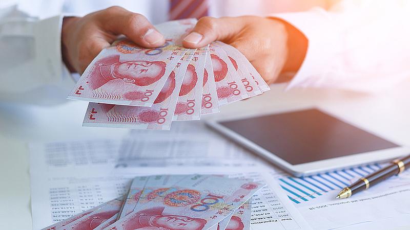 Kína elkezdi szórni Magyarországra a pénzt?