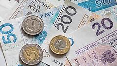 Pénzosztással szerezne szavazatokat a lengyel kormány