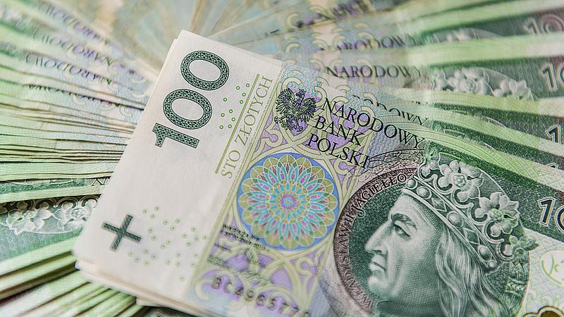 Hátat fordítanak a lengyelek a bankoknak