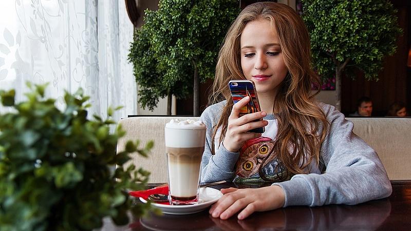 Súlyos fájdalmat okoznak a mobiltelefonok