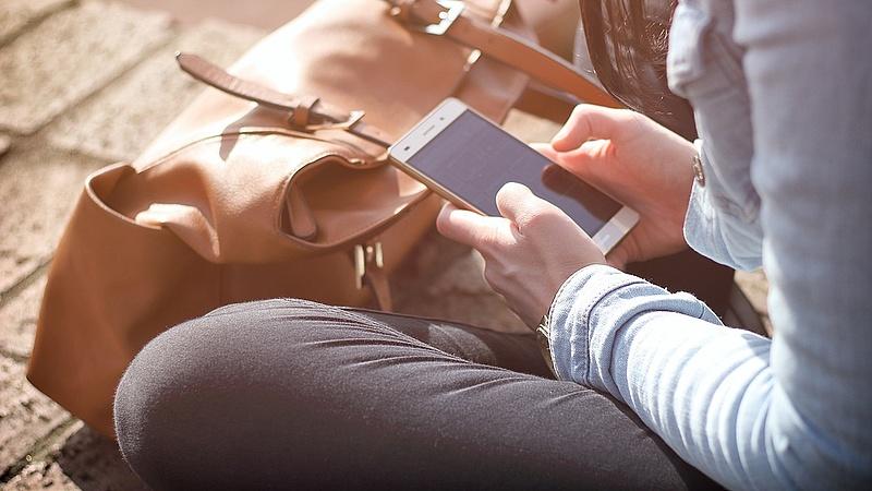 Telefonos csalásra figyelmeztetnek