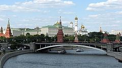 Bombariadó miatt megint tízezrek hagyták el az otthonukat Moszkvában