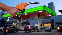 Emelik a benzin árát péntektől