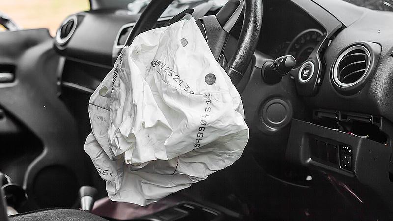 Lezárták a 8-as utat Városlődnél baleset miatt