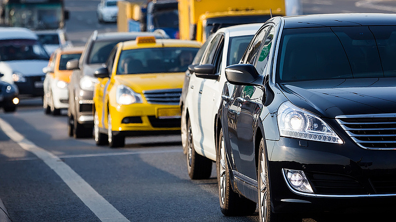 Újabb forgalomkorlátozás Budapesten - a tömegközlekedésben is változások lesznek