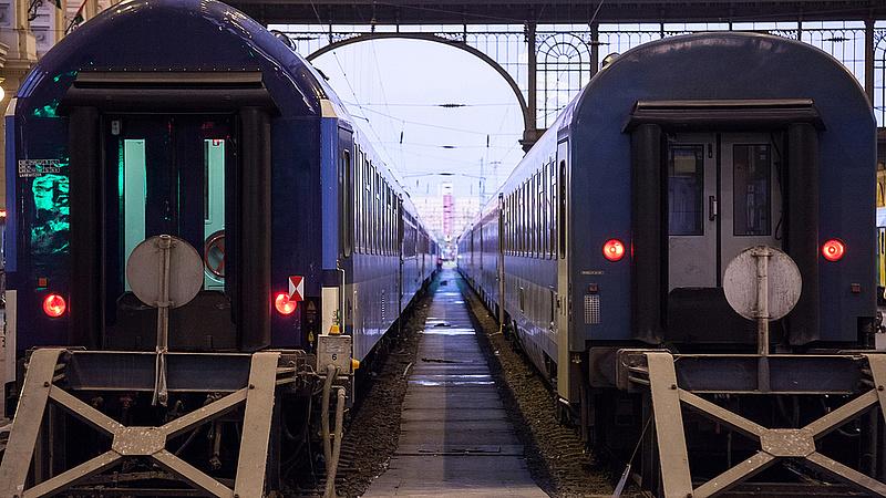 Jeletős késések a Budapest-Szeged vasútvonalon