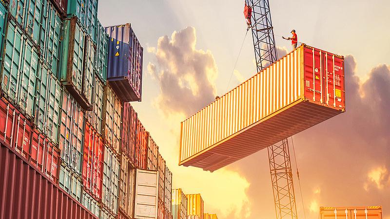 Csökkent az Egyesült Államok külkereskedelmi hiánya