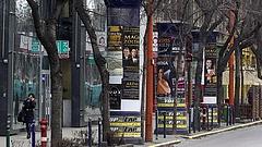 """Plakátokat távolíttat el a kormányhivatal - """"tiltott pártfinanszírozás"""""""