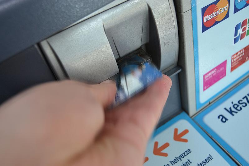 Így használják a magyarok a bankkártyáikat