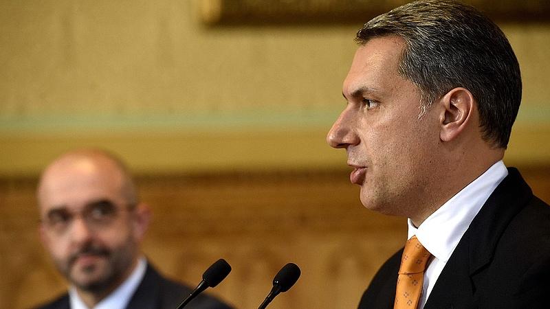 Milliárdokat költ a kormány oktatásra, csak éppen nem Magyarországon