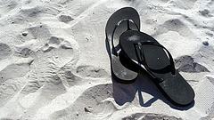 Elönti a népszerű nyaralóhelyeket a műanyagszemét