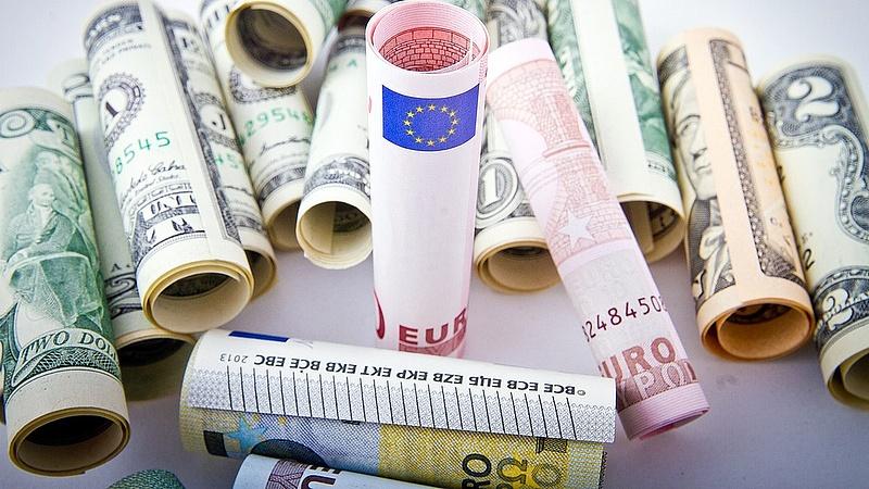 Magyar valóság: a másoktól behajtott pénzből a saját adósságukat törlesztik