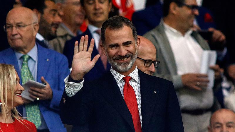 A spanyol király feloszlatta a parlamentet és kiírta az új választásokat