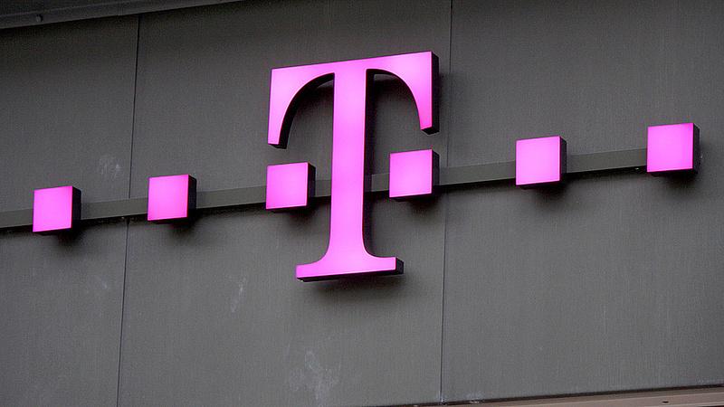 A Magyar Telekom saját részvényeket adott át az MRP szervezetnek