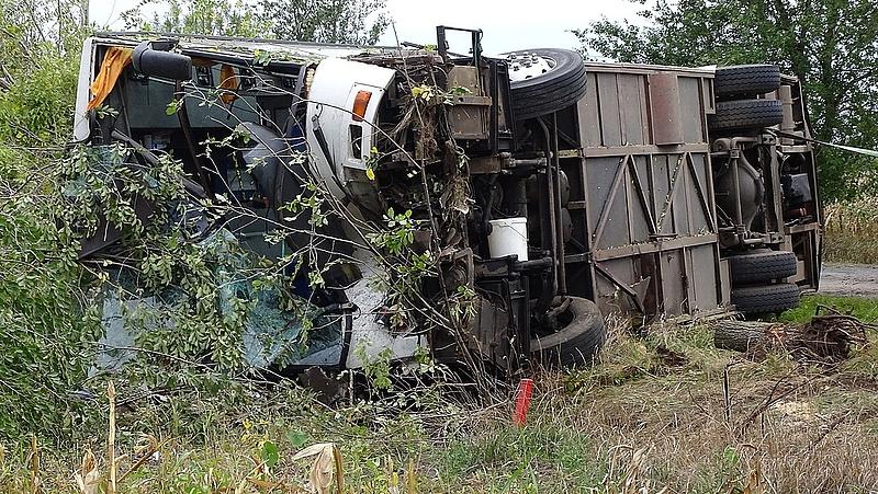 Befejeződött a mentés a tótkomlósi buszbaleset helyszínén (Frissített)