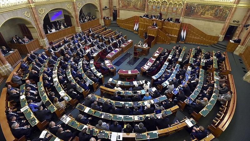 Záporoznak ma a kérdések a parlamentben
