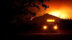Nincs áram, menekülnek a tűzvész elől Észak-Kaliforniában