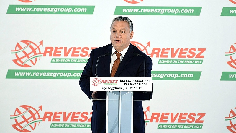 Orbán: Magyarország lassan a saját lábára áll