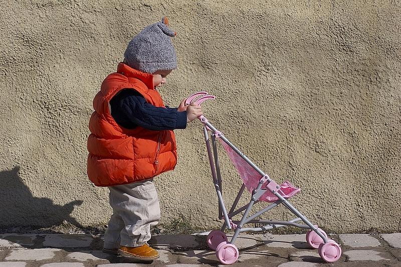 Döntött a kormány  - kiterjesztik a gyerektámogatást