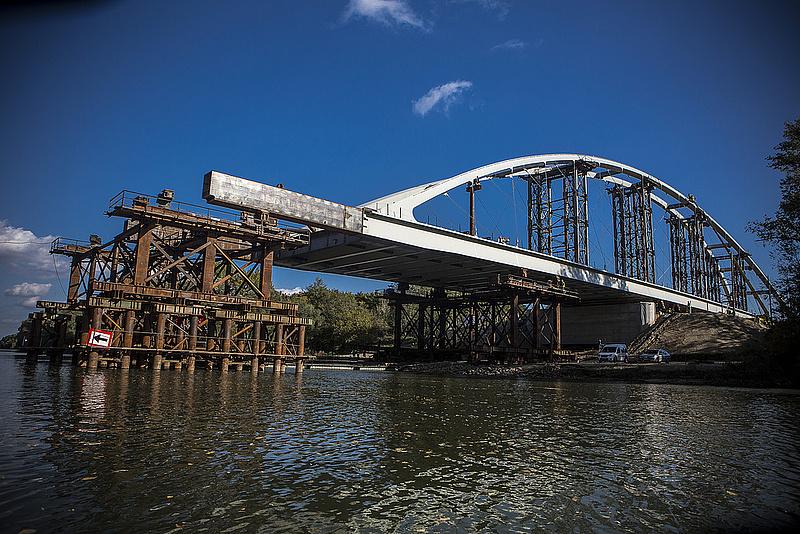 Új hidat kap a Duna Győrnél (képpel)