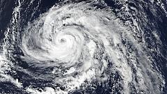 Kiadták a legmagasabb szintű riasztást - lecsap a hurrikán