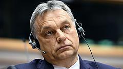 Orbán Brüsszelbe indult, de előtte üzent egyet