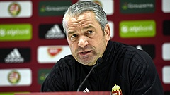 Távozik Bernd Storck