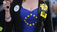 Friss felmérés: a magyarok nem Brüsszel ellen harcolnának