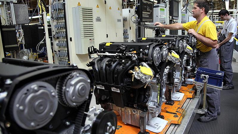 Tömeges leépítés indult a magyar Opelnél (Frissített)