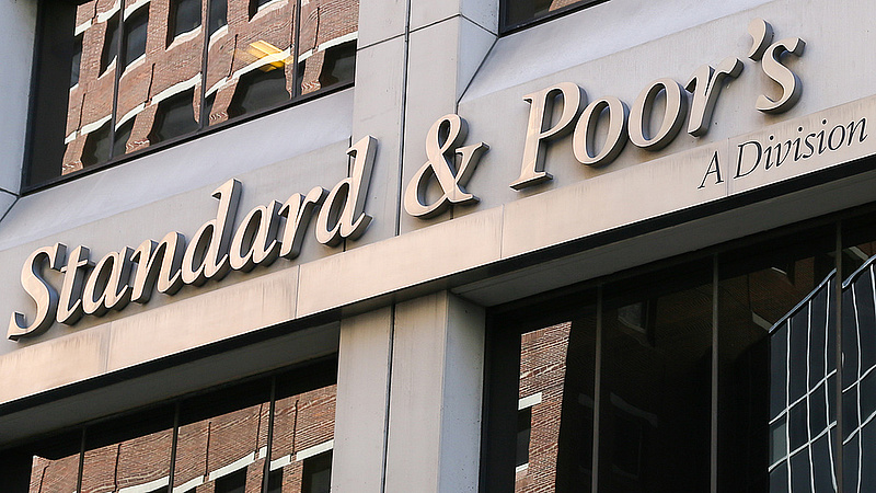 Stabilan tartja a magyar gazdaság kilátásait a Standard & Poor's