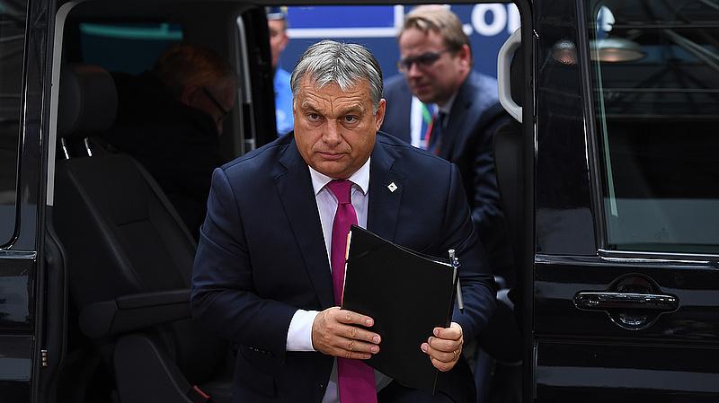 Orbánt kispadra ültették, és sokáig ott maradhat