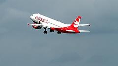 Nagy változás a fapados légitársaságoknál - ennek sokan nem örülnek